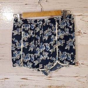Francesca's Collections Alya brand shorts
